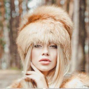 •MAKE OFFER• $400 RETAIL REAL FOX FUR WINTET HAT